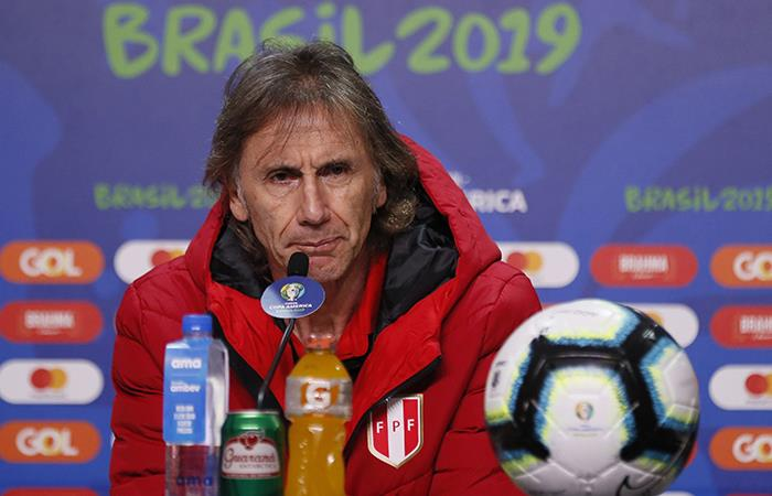 El argentino Ricardo Gareca opta por entrenar el mismo día del partido para repasar conceptos y jugadas. Foto: EFE
