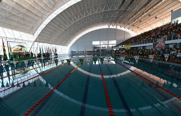 Esta moderna piscina olímpica beneficia a muchos niños y jóvenes del Beni. Foto: ABI