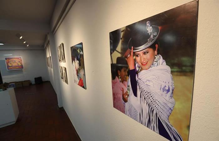 """La elegancia de las """"cholitas"""" bolivianas. Foto: EFE"""