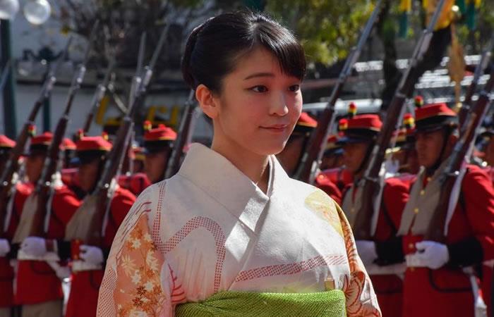 La princesa Mako de Japón llega este lunes a una ofrenda floral en el mausoleo del mariscal Andrés de Santa Cruz. Foto: ABI
