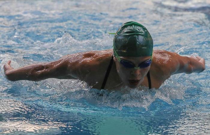 Una nadadora reconocida en el país por su dedicación y disciplina. Foto: EFE
