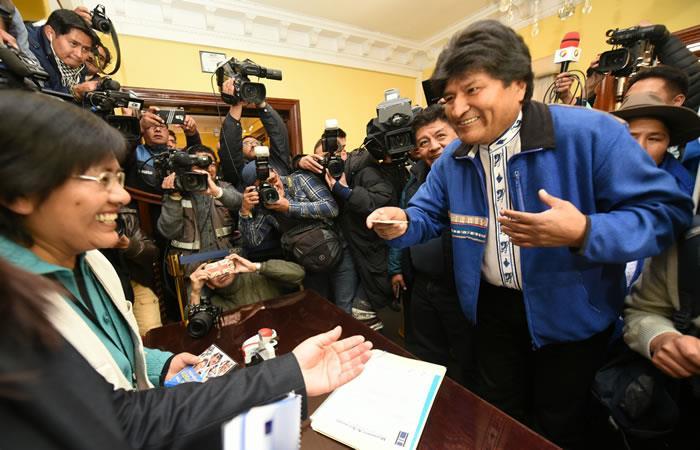 Presidente de Bolivia, Evo Morales lidera la primera encuesta. Foto: ABI