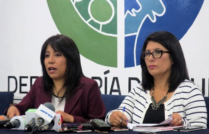 Un proyecto de ley realizado por la Defensoría del Pueblo de Bolivia propone un bono mensual. Foto: EFE.