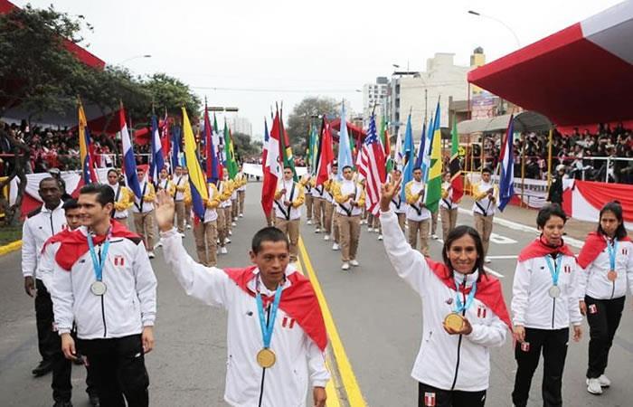 Desfile en homenaje a los 198 años de la Independencia de Perú. Foto: Twitter