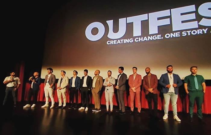 El elenco de la película 'Tu me manqus' desfiló para recibir el premio. Foto: Instagram @bolivianbold