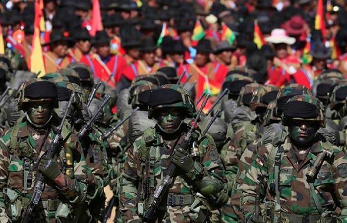 Al menos 12.000 personas asistirán a la Parada Militar en El Alto. Foto: Twitter @evoespueblo