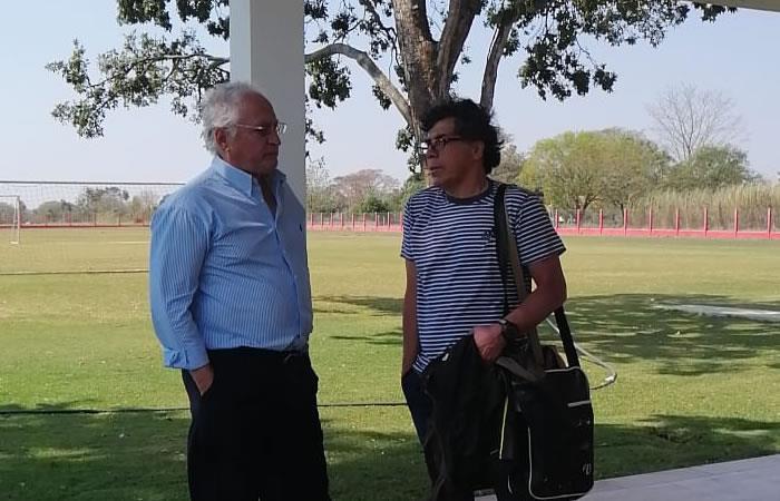 El profesor Victor Hugo Andrada en la institución Roja. Foto: Twitter