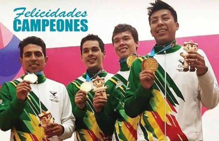 Logro conseguido por Conrrado Moscoso, los hermanos Carlos y Ronald Keller junto a Kadmin Carrasco. Foto: ABI.