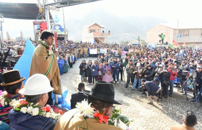 Evo Morales entregando obra en Mecapapa. Foto: ABI