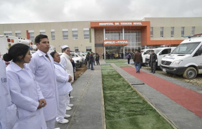 El gobierno actualizará el equipo de los hospitales del país. Foto: ABI