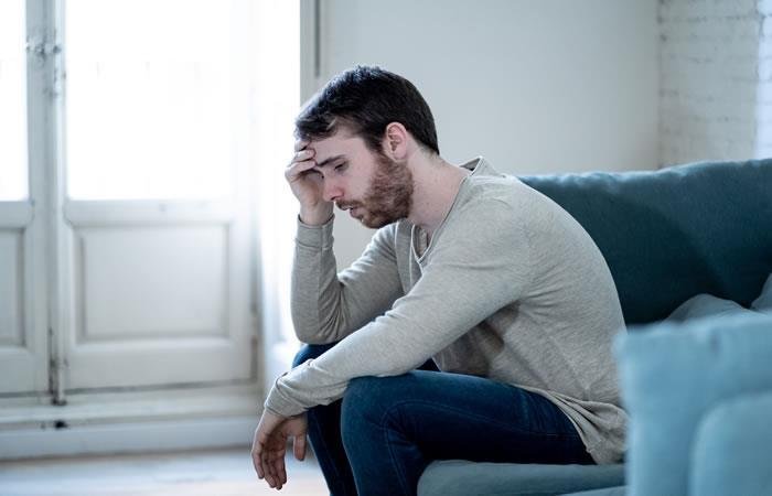 La falta de empleo, o de un empleo digno o formal, puede conducir a situaciones de frustración o desaliento. Foto: ShutterStock.