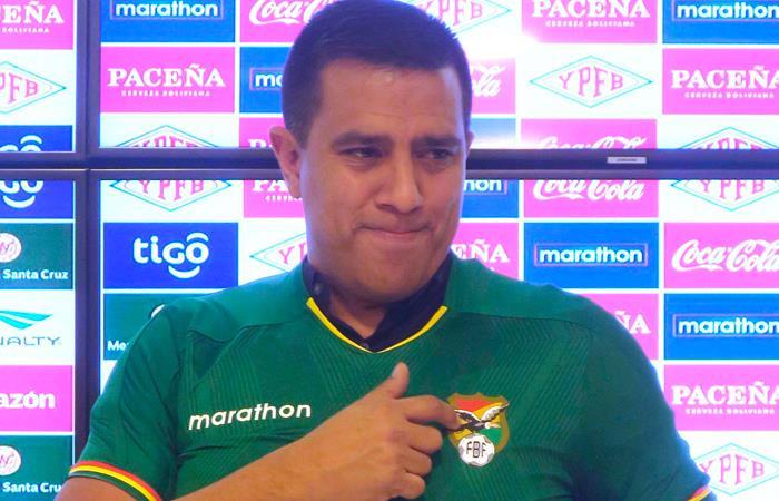 César Farias con la camiseta de la Selección de Bolivia. Foto: EFE
