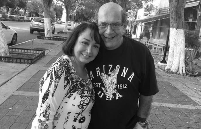 María Antonieta de las Nieves junto a su esposo Gabriel Fernández. Foto: Twitter oficial @LaChilindrina