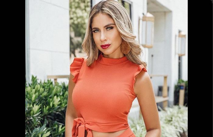 Arely es presentadora de un programa de TV. Foto: Instagram oficial @arelyperezm