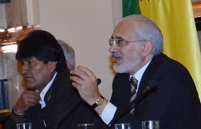 Presidente de Bolivia, Evo Morales junto al ahora candidato presidencial, Carlos Mesa. Foto: ABI