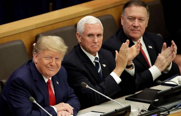 El presidente de Estados Unidos, Donald Trump (i), el vicepresidente estadounidense, Mike Pence (c), y el secretario de Estado de EEUU, Mike Pompeo (d). Foto: EFE.