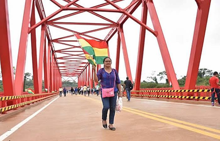 Inauguración de puente en Pando. Foto: ABI.