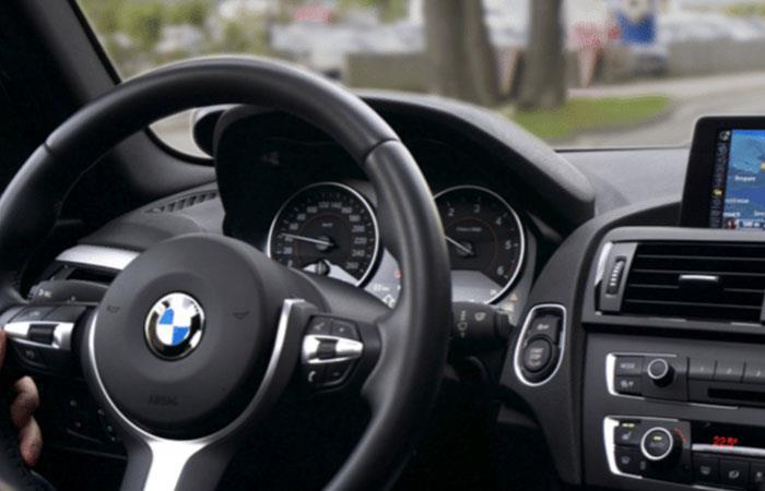 Los instrumentos de carros incluyen una gama muy amplia de llaves y casquillos. Foto: Cortesía