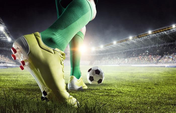 Disputa de clubes por la Copa Simón Bolívar. Foto: Shutterstock.