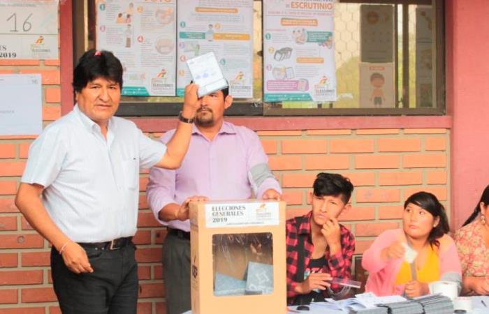 Morales también aprovechó para invitar a la ciudadanía a ejercer el voto. Foto: Twitter @evoespueblo.