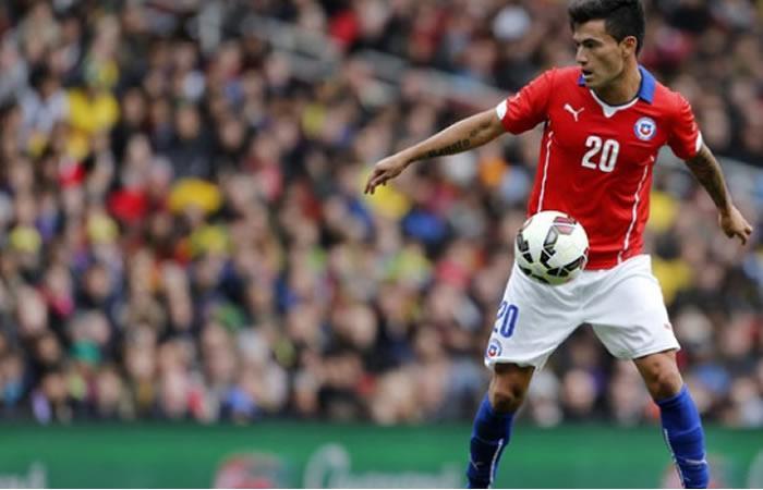 Charles Aránguiz volante de la Selección Chilena y Bayer Leverkusen - EFE