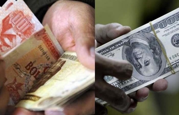 Bolivia cumple ocho años con el dólar fijo. Foto: ABI.