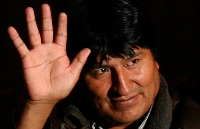Aún se desconoce la ubicación de Morales y la fecha de su llegada a México. Foto: Twitter