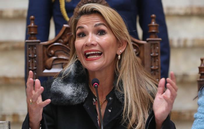 La presidenta de Bolivia no ha podido viajar a su tierra natal. Foto: EFE