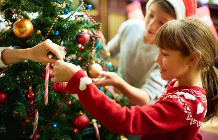 Fecha ideal para armar el árbol de navidad. Foto: Shutterstock