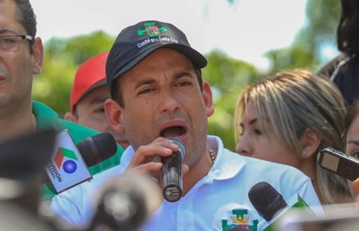El presidente del Comité Cívico Pro Santa Cruz, Luis Fernando Camacho, presentó el viernes su carta de renuncia al cargo. Foto: ABI.