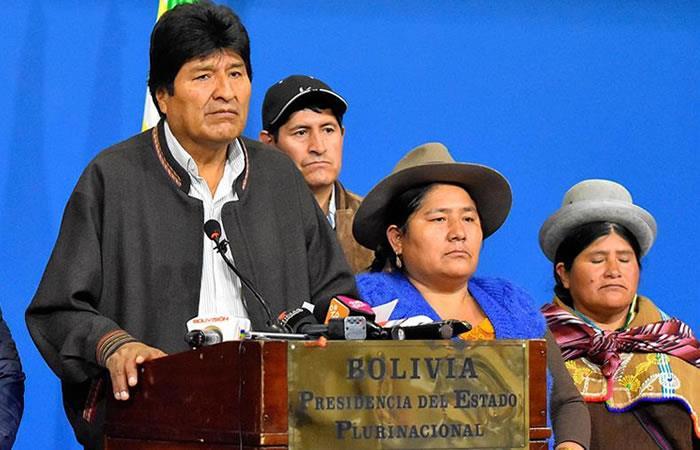 Evo Morales mientras ofrece unas palabras en una de sus ultimas apariciones, en El Alto. Foto: EFE.