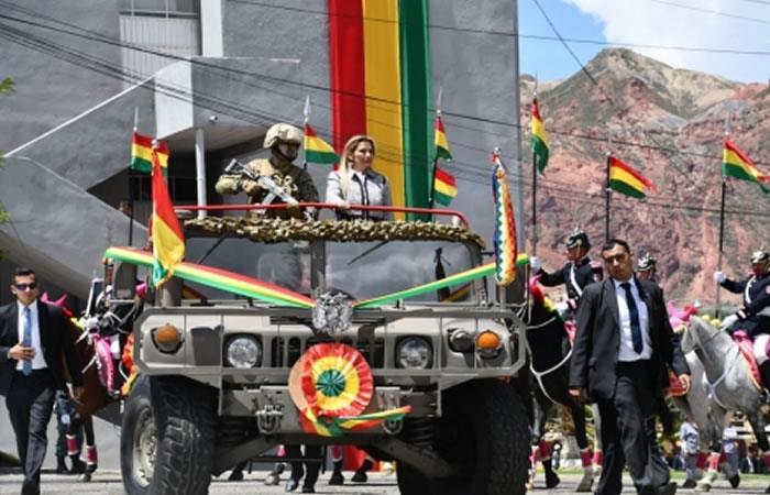 Jeanine Áñez celebró el jueves los 209 años de creación del Ejército boliviano. Foto: ABI