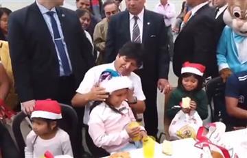 Morales comparte Navidad con niños de la comunidad boliviana en Argentina