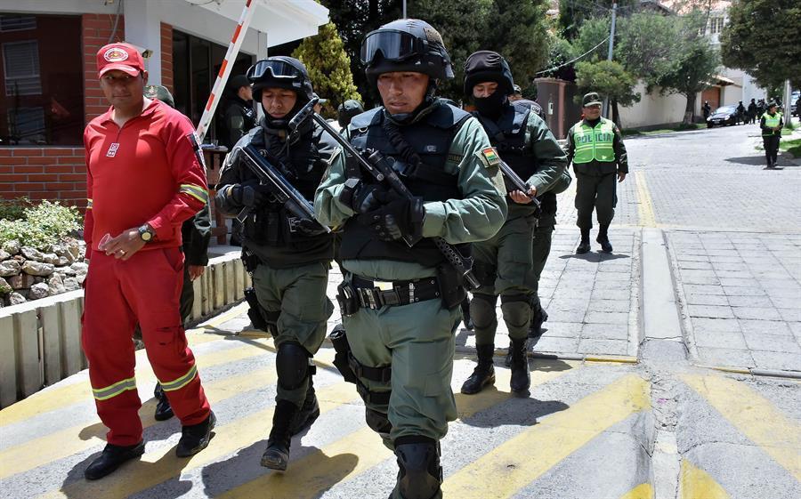 Policía y ejército inician operativos previos al 22 de enero  -. Foto: EFE