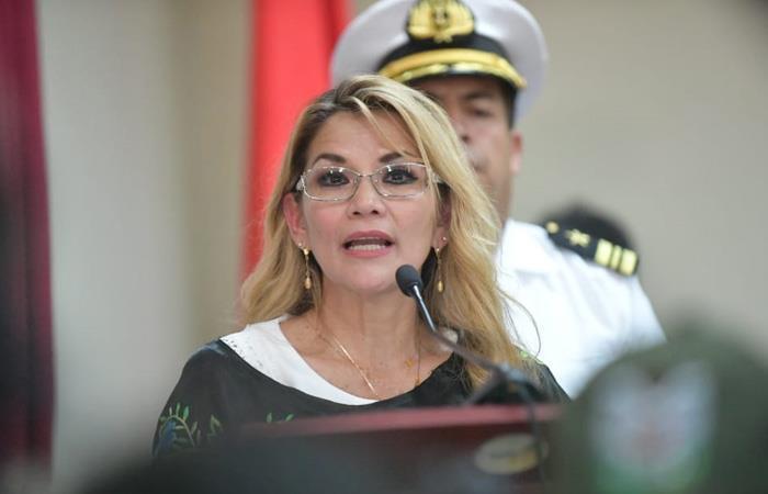 La presidenta Añez sigue realizando ajustes en el país. Foto: ABI
