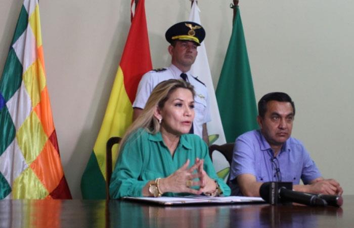 La jefa de Estado también pidió unidad y desprendimiento de los políticos. Foto: Twitter