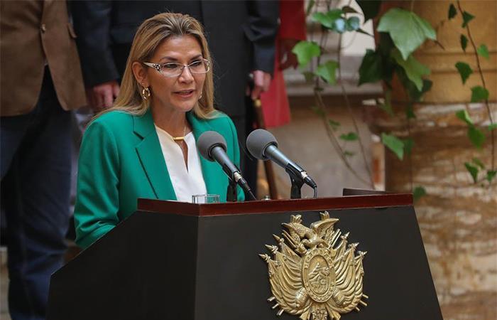 Jeanine Áñez  instruye plan para resguardar votos en elecciones. Foto: EFE