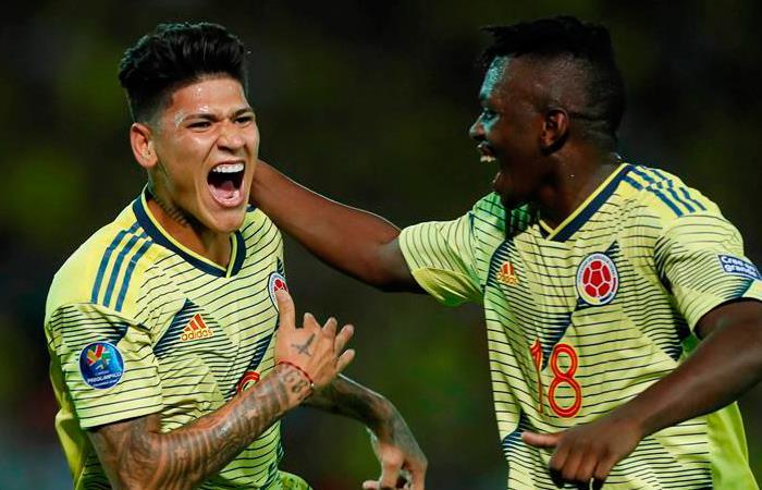 Jorge Carrascal (I) fue una las figuras de la Selección Colombia. Foto: EFE
