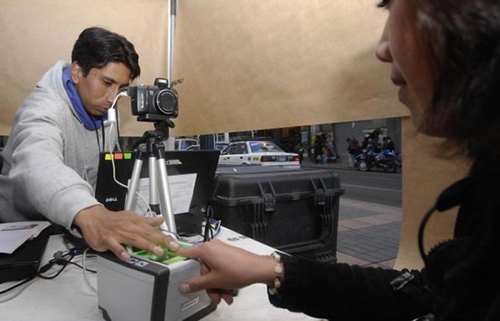 El registro biométrico permitirá habilitar a los bolivianos para ejercer su voto. Foto: ABI