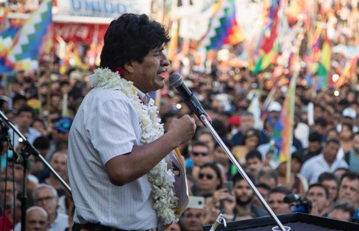 Evo Morales no puede postularse a presidente pero si a diputado o senador. Foto: Twitter @evoespueblo