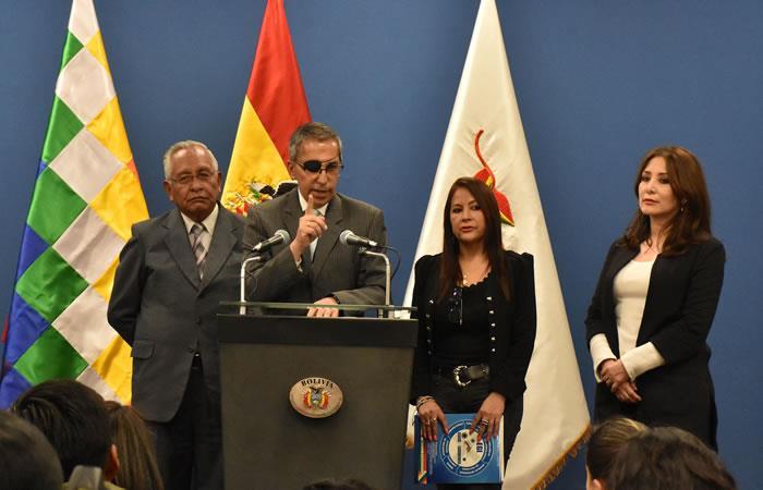 El ministro interino de Salud, Víctor Hugo Cárdenas, descartó la presencia del coronavirus en el país. Foto: ABI.