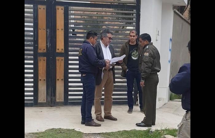 Agentes de inteligencia de la FELCC aprehendieron a Torrico en su domicilio. Foto: Twitter