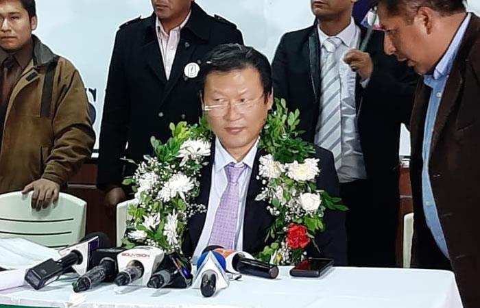 El pastor evangélico surcoreano Chi Hyun Chung irá como candidato presidencial del FPV. Foto: Twitter @Jmkarg