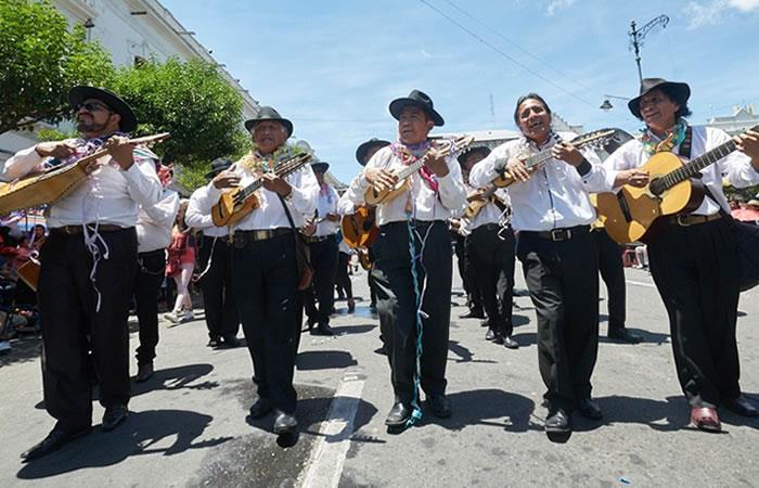 Carnaval de Antaño en Sucre. Foto: ABI.