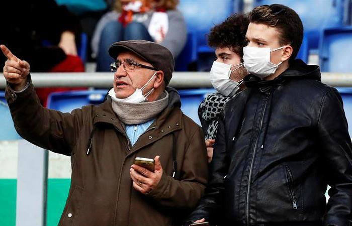 El coronavirus empieza a afectar el fútbol en Italia - EFE