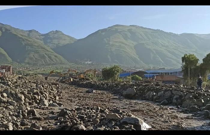 40 maquinarias para encauzar el río Taquiña. Foto: ABI