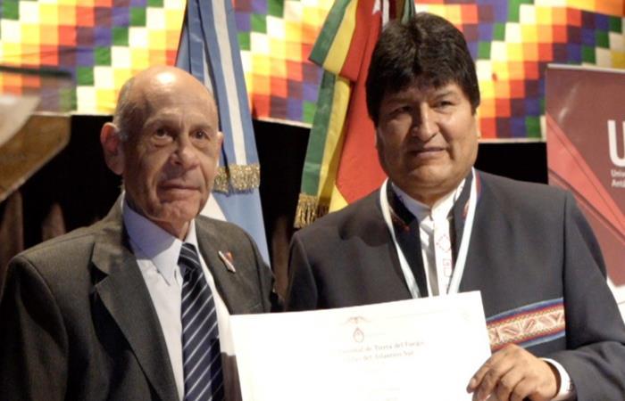 Nueva denuncia contra Evo Morales. Foto: Twitter @evoespueblo