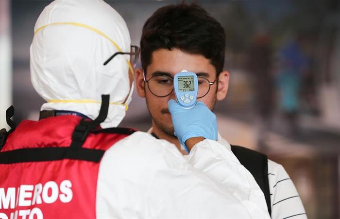El Ministerio de Salud Publica de Ecuador, refuerza junto a su personal los controles sanitarios. Foto: EFE