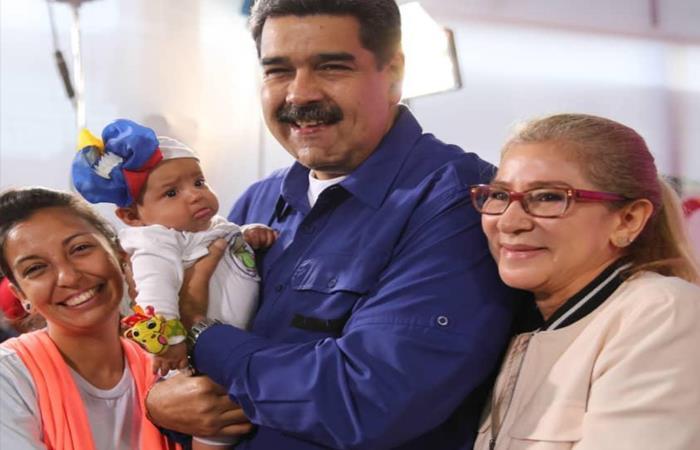 Maduro hace llamadó a las mujeres para tener hijos. Foto: Twitter