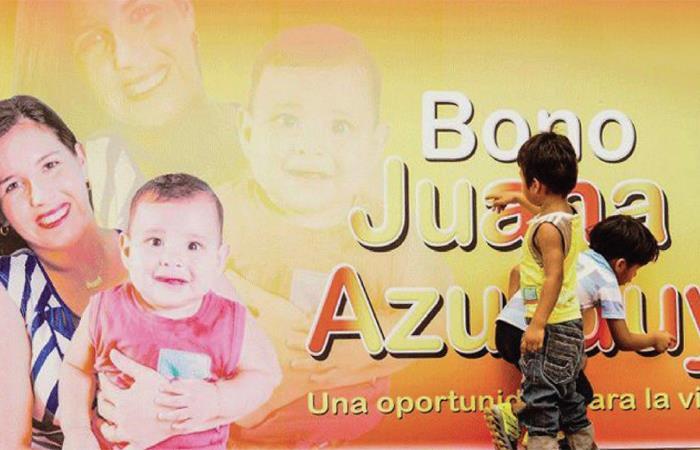 El bono Juana Azurduy consiste en la entrega de 50 bolivianos por cada control prenatal. Foto: ABI